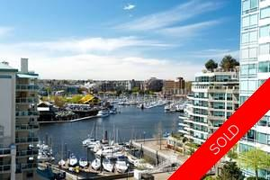 False Creek North Condo for sale: Discovery 2 bedroom 961 sq.ft. (Listed 2009-04-22)